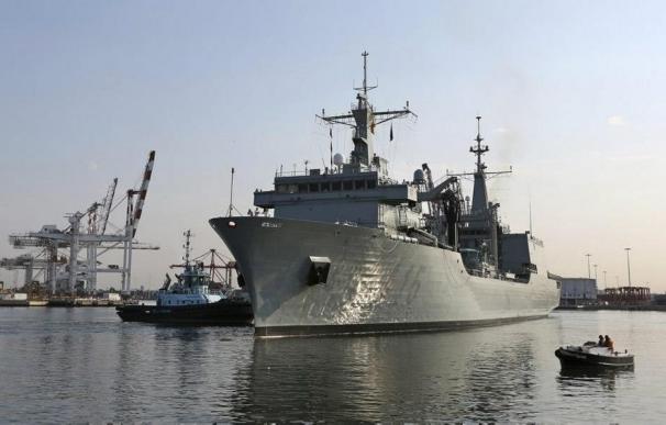 El buque español 'Cantabria' rescata a 410 personas en aguas del Mediterráneo