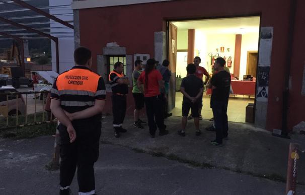 Operarios de Protección Civil de Arredondo. / PC Arredondo